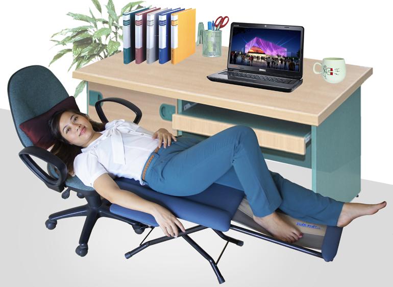 Ngủ trưa tại văn phòng thế nào cho đúng (1)