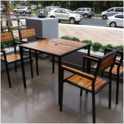Bàn ghế quán cafe khung sắt mặt gỗ BQA07